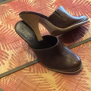 Brown Leather 3.75 inch mule Nine West 6.5